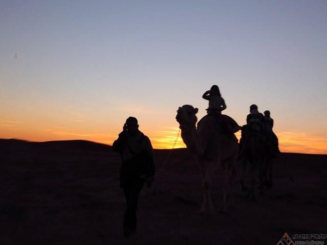 Excursion de 3 jours Erglihoudi et Chegaga en 4x4 et chameaux